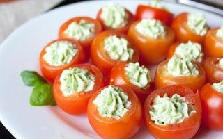 """Новогодняя закуска """"пряные томаты с сыром"""""""