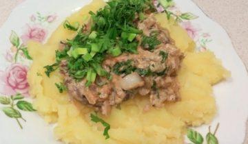 Вкусные куриные сердечки с картошкой