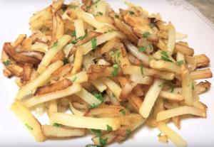 Как вкусно пожарить картошку на сковороде с корочкой